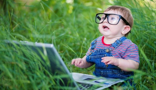 Bērna intelektuālā attīstība līdz četru gadu vecumam: norma un kad vecākiem jāsāk uztraukties