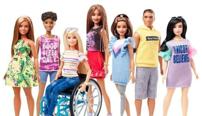 Drīzumā pārdošanā būs pieejamas Bārbijas ratiņkrēslā