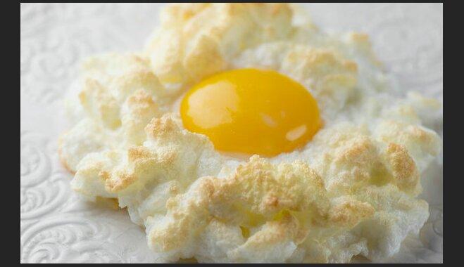 Cepeškrāsnī ceptas gaisīgās olas