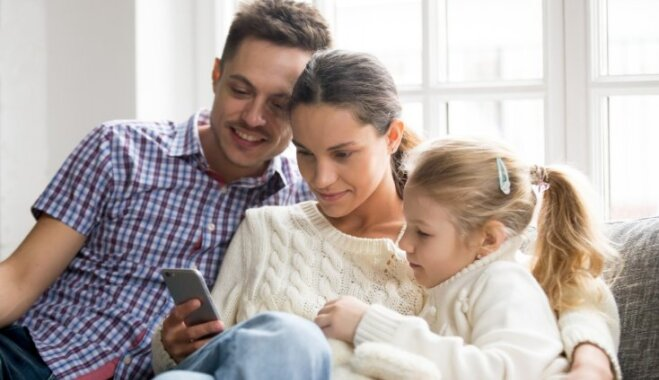 Lietas, ko vecākiem nevajadzētu darīt sociālajos tīklos