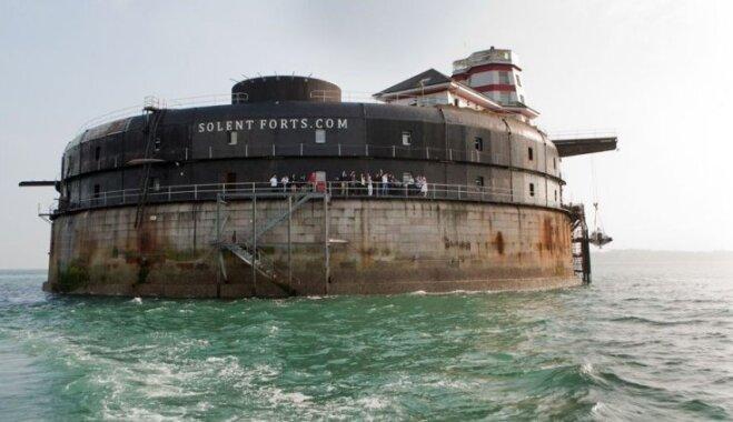 Anglijā vecs Viktorijas laikmeta forts pārtapis īpaši dārgā viesnīcā un izpriecu salā