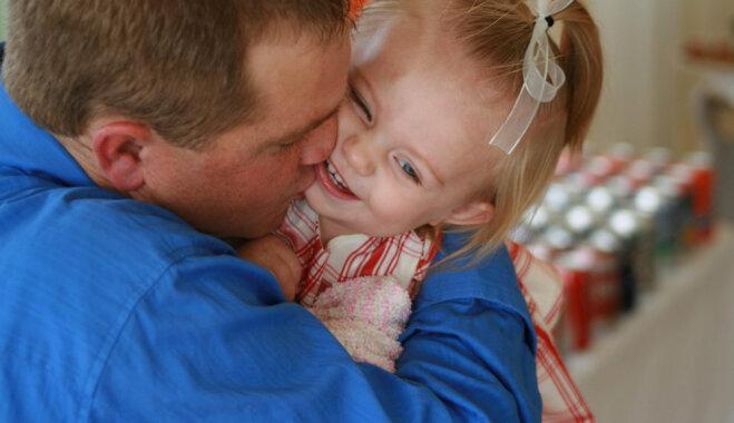 Pētījums: pēc šķiršanās vīrieši kļūst par brīvdienu tēviem