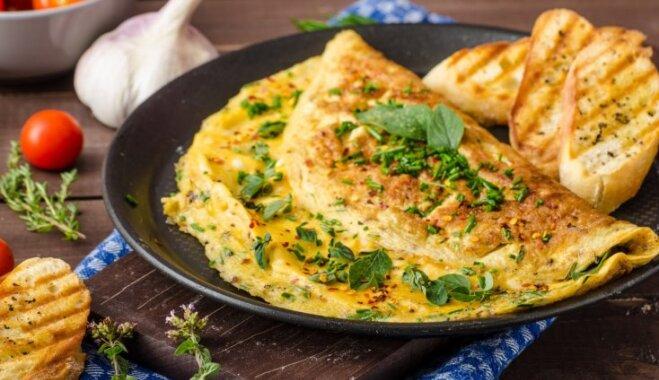 Brīvdienu vēlās brokastis: 14 klasiskas un citādākas omletes