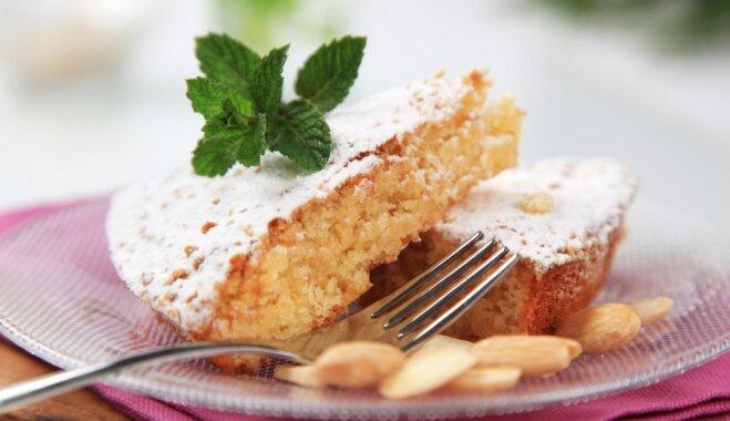 Mandeļu miltu kūka ar olīveļļu