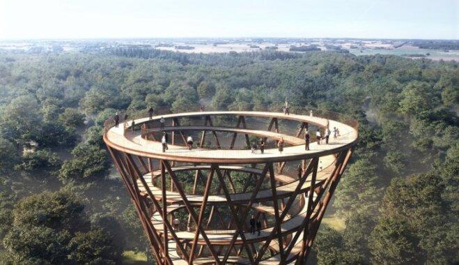 Dānijā top iespaidīgs spirālveida skatu tornis un pastaigu taka kokos