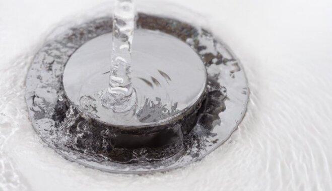 Как почистить забитый слив в ванной? Пять простых шагов