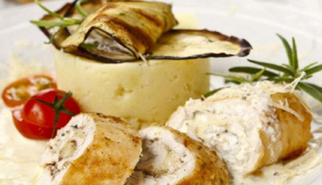 Vistas filejas rullīši ar kartupeļu biezeni un siera mērci