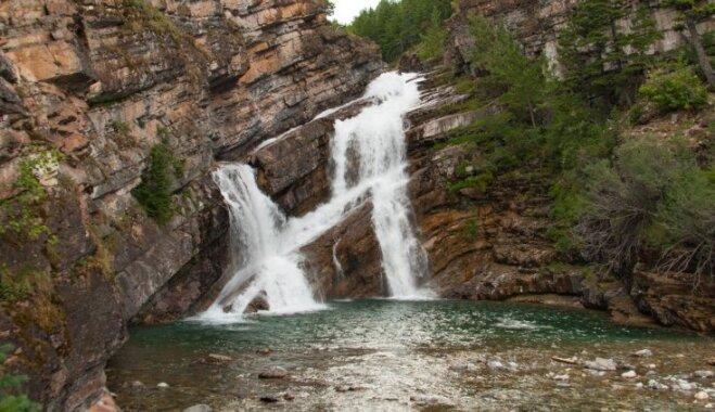 Ūdenskritums Kanādā, kur reizēm plūst sarkanīgs ūdens