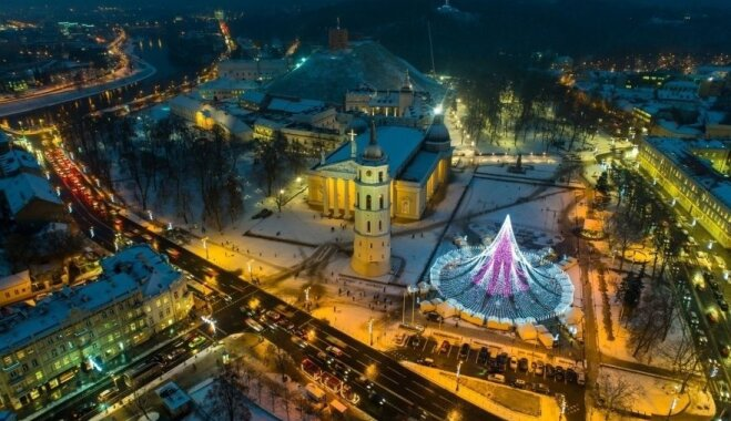 ФОТО: Вильнюсскую елку назвали самой красивой в Европе, и вот как она выглядит с высоты птичьего полета