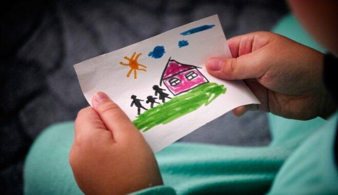 Es adoptēju bērnu vai kļuvu par audžumammu: stāsti no visas Latvijas