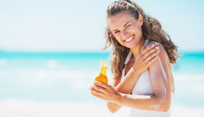"""Эксперты: """"водостойкий"""" солнцезащитный крем — маркетинговая уловка"""