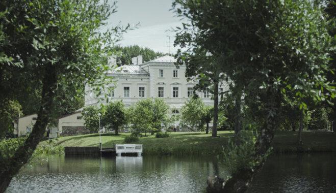 Igates pilī apskatāms fotostāsts par Latvijas privāto muižu likteņiem