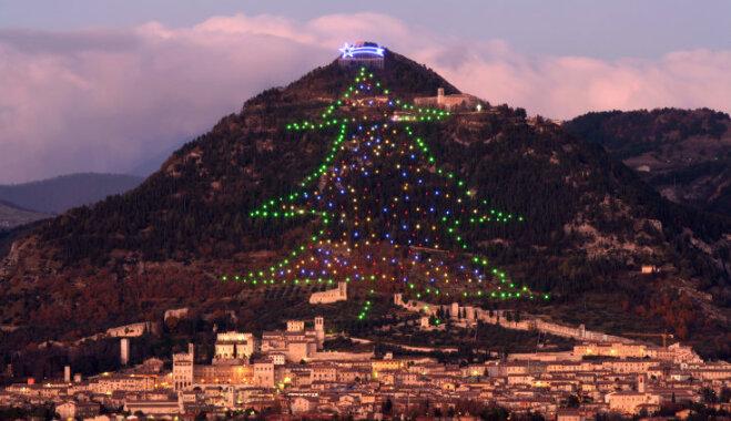 Горная гирлянда или как наряжают рождественскую ель в итальянском городе Губбио (ФОТО, ВИДЕО)