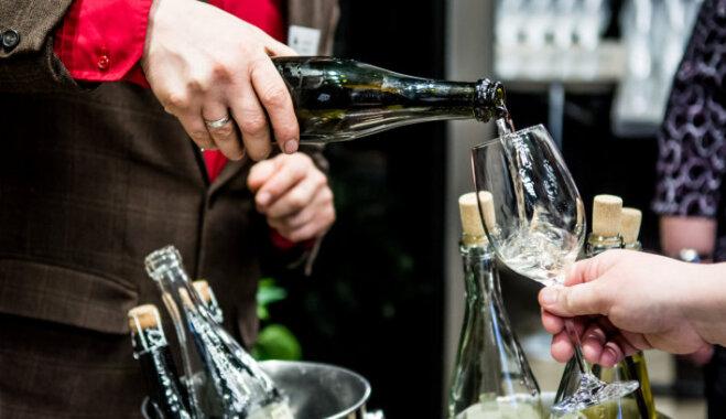 12 vīndari un 90 dzērieni: notiks tradicionālā Latvijas augļu un ogu vīnu skate
