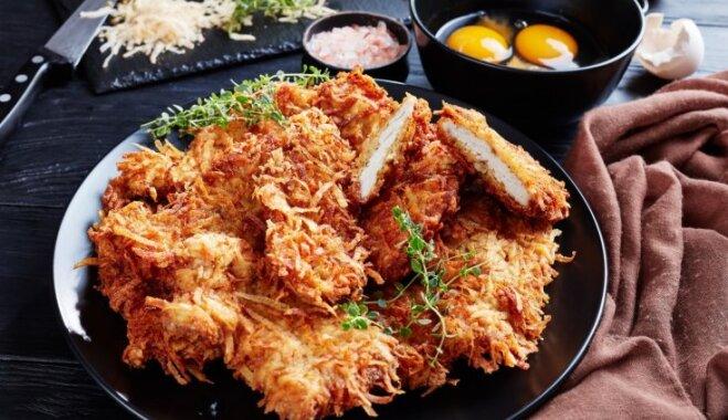 Куриное филе в румяном мундире из картофеля