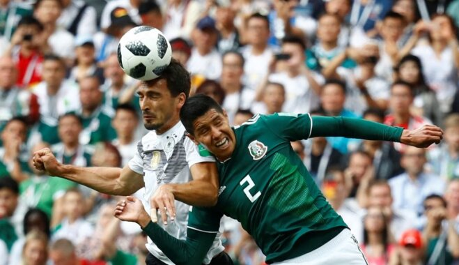 Meksikas futbolisti sagādā pārsteidzošu zaudējumu Pasaules kausa īpašniecei Vācijai