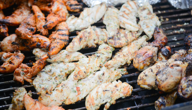 Как приготовить сочное и вкусное мясо на гриле — секретные советы Эрика Дрейбантса и Мартиньша Сирмайса