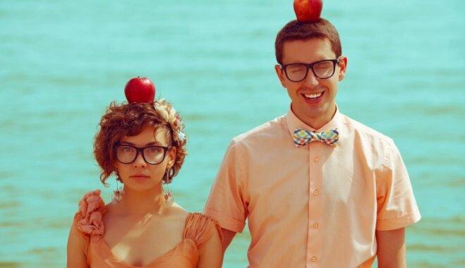 Negaidīt, bet rīkoties pašiem: 36 pārbaudīti jautājumi, kas sekmē mīlestību
