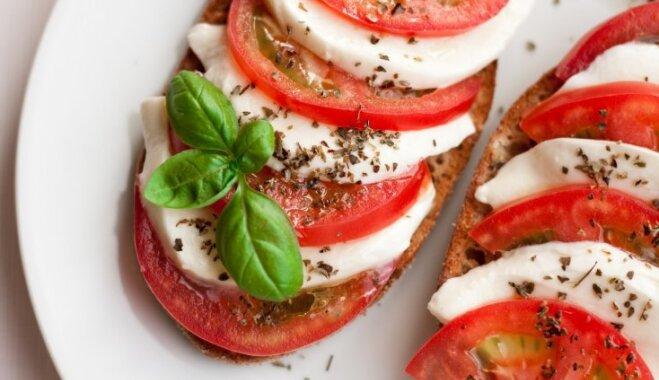 Viens vienīgs tomātu lauks: 20 kārdinošu salātu receptes sulīgo bumbuļu noēšanai
