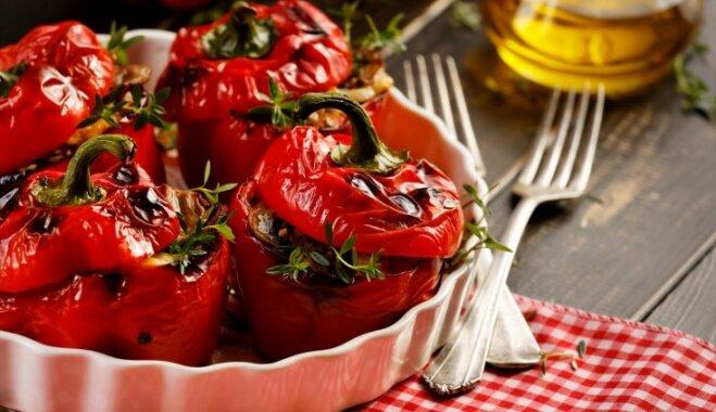 Ideja vakariņām - septiņas krāsainas un sulīgas pildītas paprikas receptes