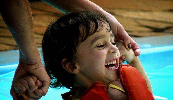 Jāšana, peldēšana un teniss – bērna ieguvumi, trenējoties individuālajos sporta veidos