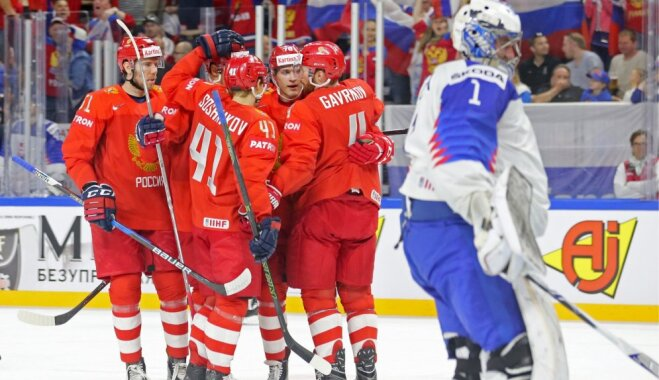 Россия уверенно обыграла Словакию и поспорит со шведами за первое место