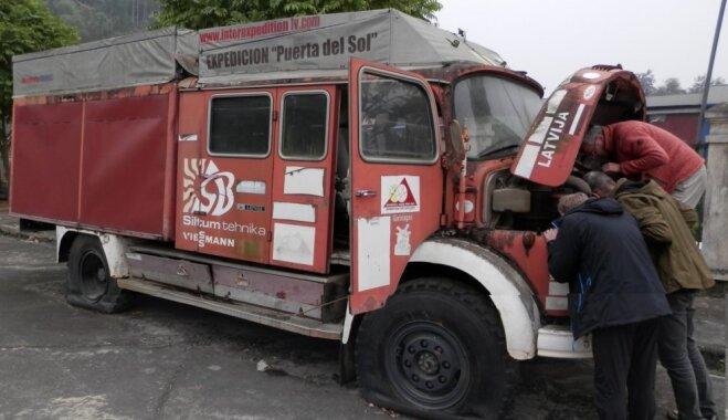 Latvieši ved mājās uzticamo 'ugunsdzēsēju' – jūnijā startēs autoekspedīcija 'Lao Cai-Rīga'