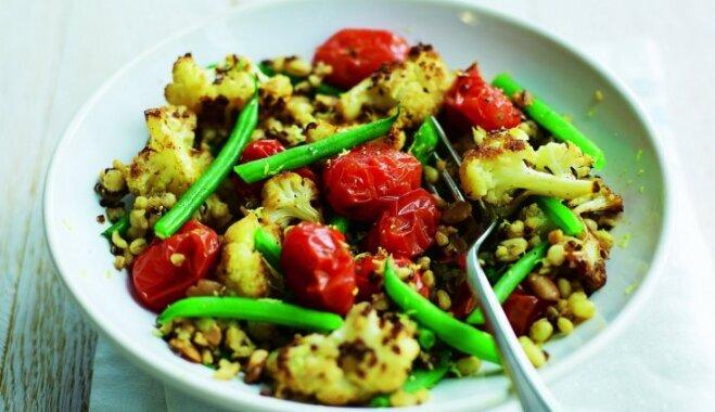 Siltie puķkāpostu un pākšu pupiņu salāti