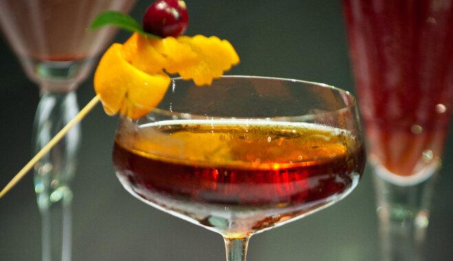 Balzama kokteilis ar granātābolu sīrupu