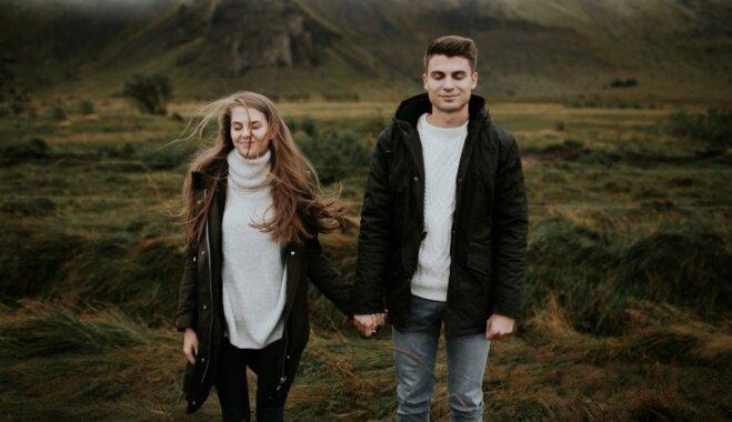 Stipra mīlestība un 'tīras' attiecības līdz kāzām: Rebekas un Toma precības Islandes burvībā
