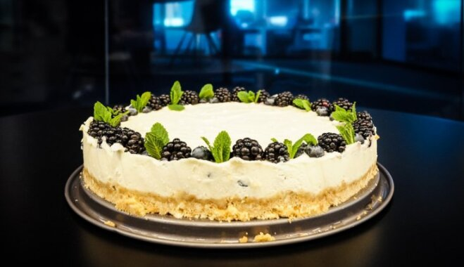 Baltās šokolādes siera kūka bez cepšanas