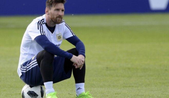 Pasaules kausa izcīņas mačā favorīte Argentīna spēkojas ar debitanti Islandi
