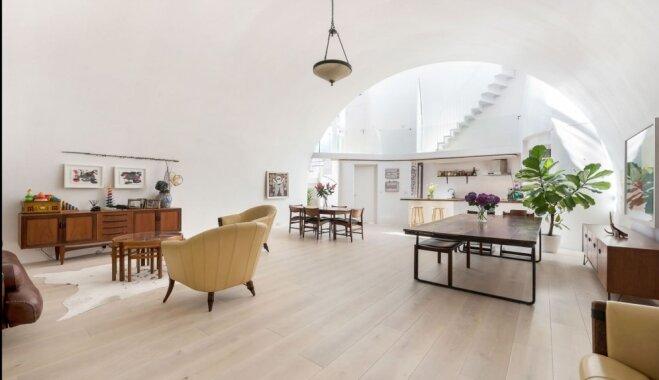 Necila no ārpuses – pērle iekšpusē: sliežu ieskauta dizaina māja Londonā