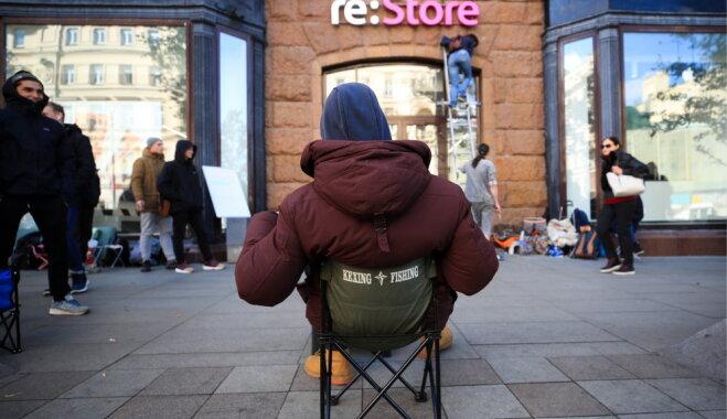 ФОТО: В Москве очередь за новыми iPhone выстроилась за три дня до начала продаж