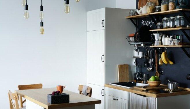 Viss pie vienas sienas: kā iekārtot virtuvi pēc šāda principa