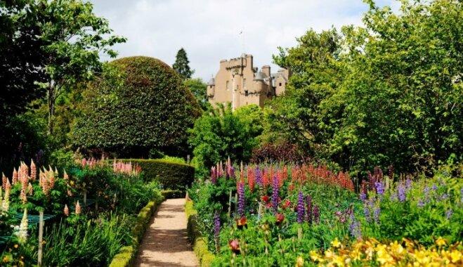 Gadsimtiem lolots dārgums – Krātes pils dārzs