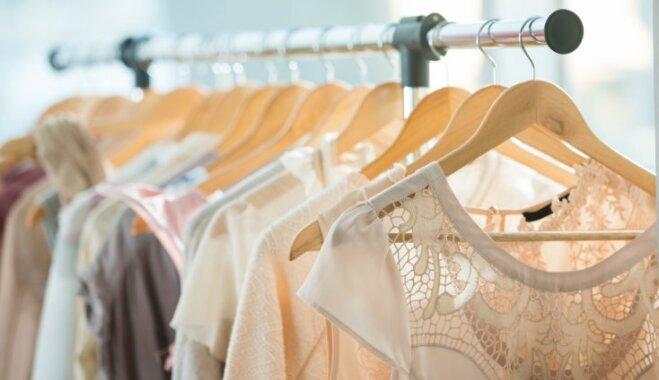 10 lietas, kurām vajadzētu būt katras sievietes drēbju skapī