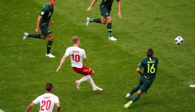 Dānijas un Austrālijas futbolisti aizraujošā mačā nospēlē neizšķirti