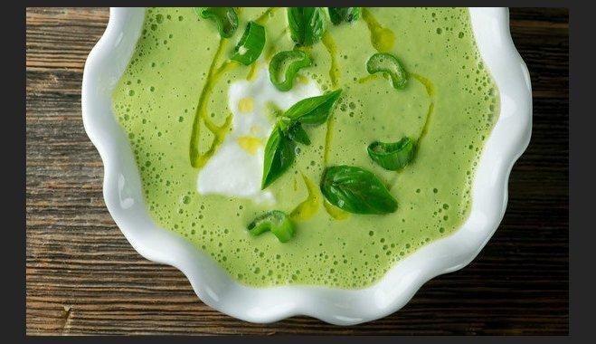 Зеленый гаспачо - холодный суп из цуккини с огурцами