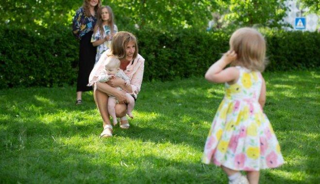 10 bērnu mamma: sabiedrība vēl nav pieradusi pie lielām ģimenēm