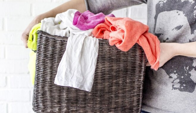 Likstas ar grūti izmazgājamiem traipiem: padomu vācelīte veļas dienai