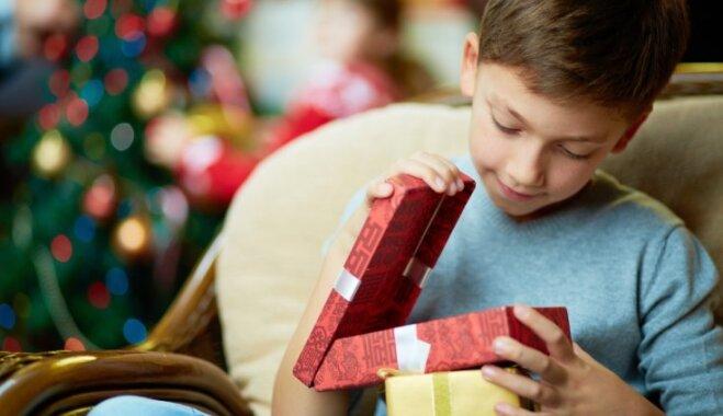 Kāpēc bērns pieprasa dārgu dāvanu un kā rīkoties vecākiem?