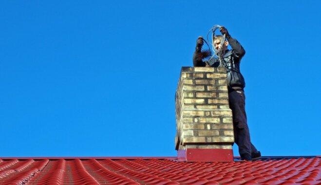 Melnais darbs uz jumtiem – kāpēc nedrīkst atstāt novārtā skursteni?