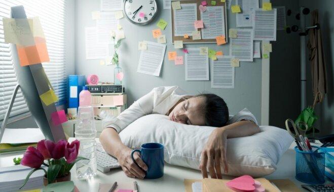 Viedtālrunis un glāze alkohola: paradumi, kuri kaitē kvalitatīvam miegam