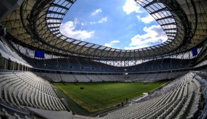 На стадионе ЧМ в Волгограде установили туалеты без кабинок и перегородок
