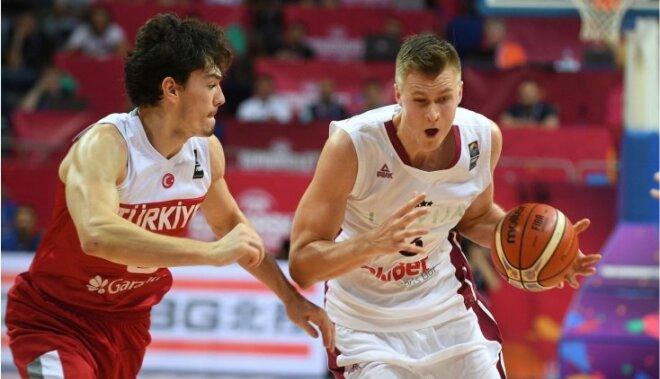 ВИДЕО: Шедевры Порзиньгиса и победа Латвии над хозяевами Евробаскета — турками