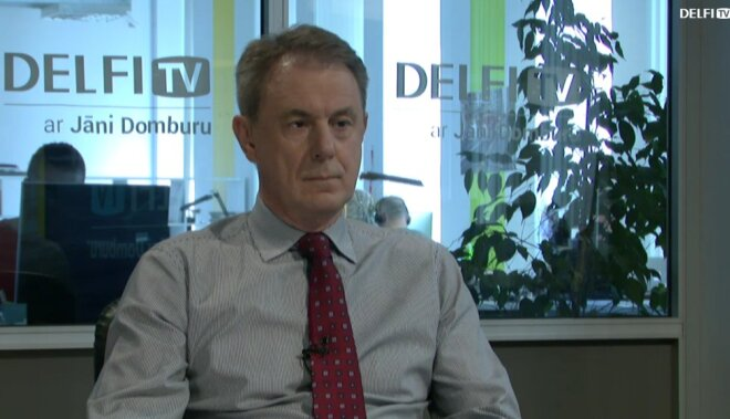 ВИДЕО: Интервью на Delfi TV: Янис Домбурс vs Гиртс Валдис Кристовскис