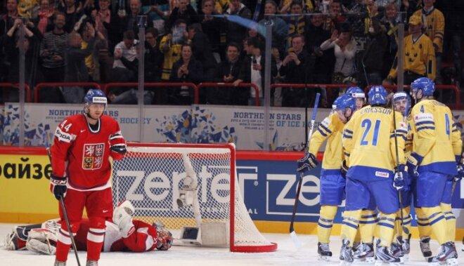 PČ mājinieki zviedri pārspēj čehus un gūst otro uzvaru