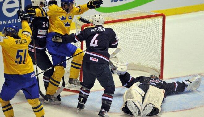 ASV hokejisti pārbaudes spēlē pieveic Zviedrijas valstsvienību