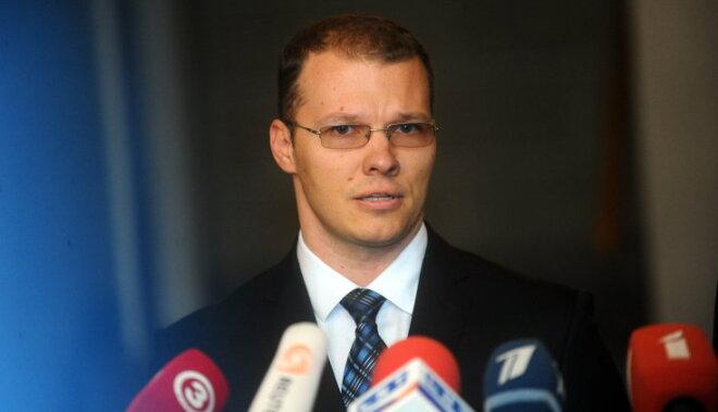Дзинтарс рассказал, почему кандидат в мэры Риги от Нацблока дружит семьями с Ушаковым